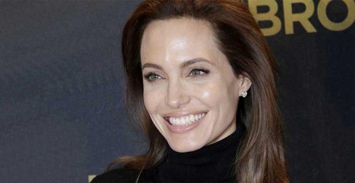 Angelina Jolie Recovers Chickenpox